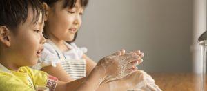 インフルエンザ、異例の流行 東京で昨年より2カ月早く